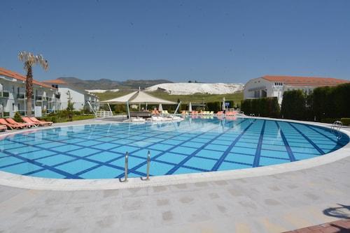 Tripolis Hotel, Akköy