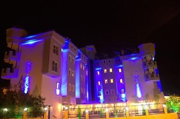 馬爾馬里斯公園飯店