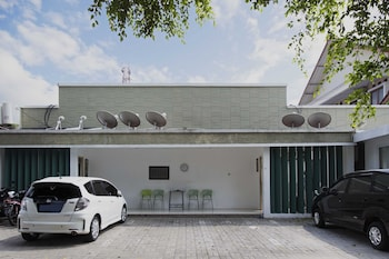 RedDoorz @ Tondano Benhil - Parking  - #0