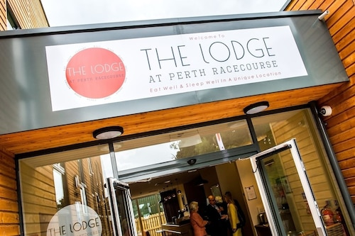 . The Lodge At Perth Racecourse