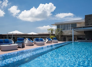Hotel - Sol House Bali Legian