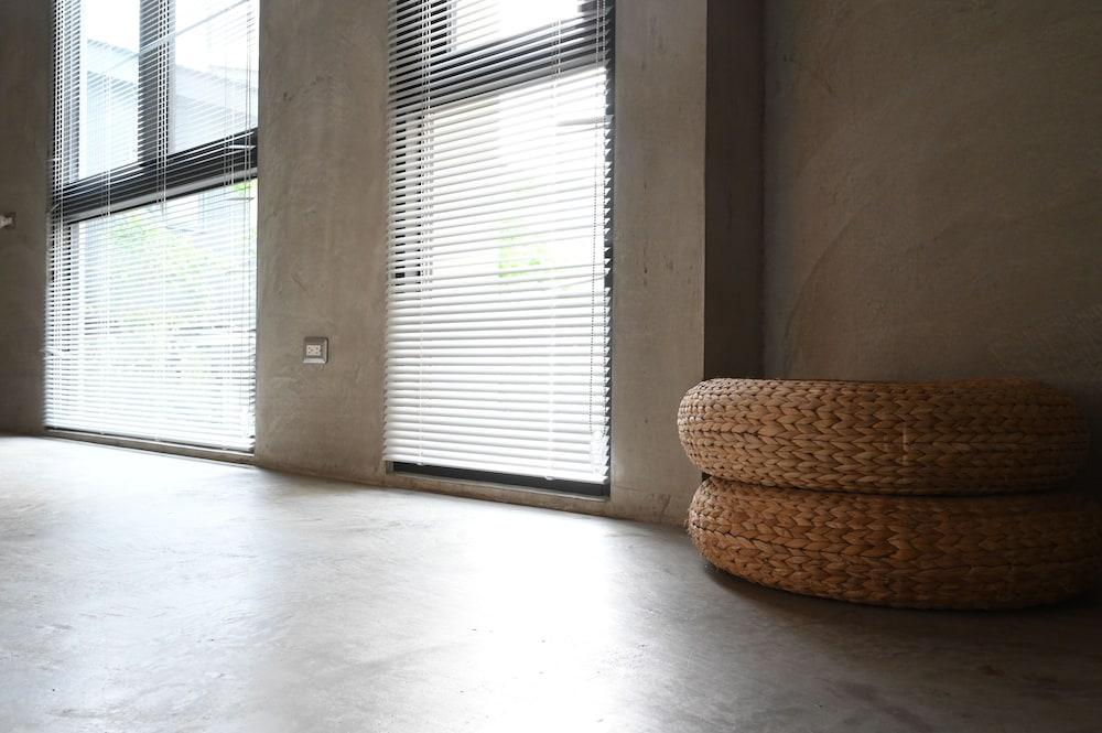 サン ムーン イン (日月潭山慕民宿)