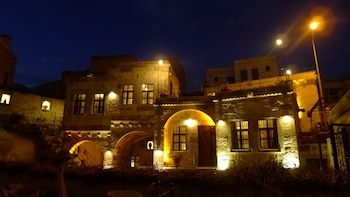 旅人國王洞穴飯店