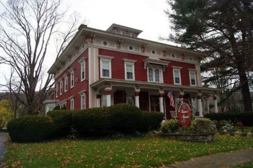 Monier Manor, Ontario