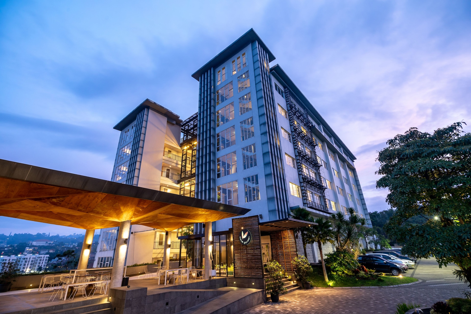 Clove Garden Hotel and Residence, Bandung