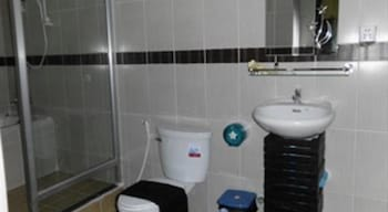 The Irish Place - Bathroom  - #0