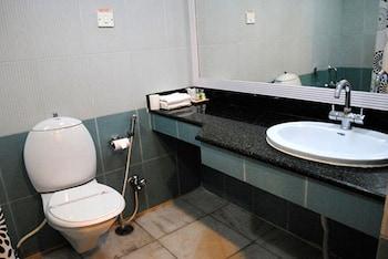 Hotel Vishal Residency - Bathroom  - #0