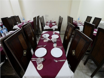 Hotel Vishal Residency - Breakfast Area  - #0