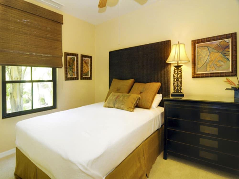 https://i.travelapi.com/hotels/16000000/16000000/15992600/15992557/717813ea_z.jpg