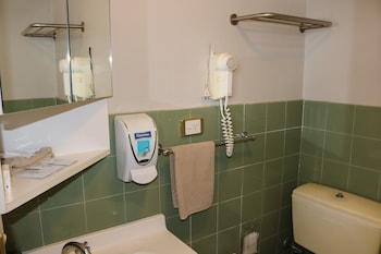 The Hermitage Motel - Bathroom  - #0