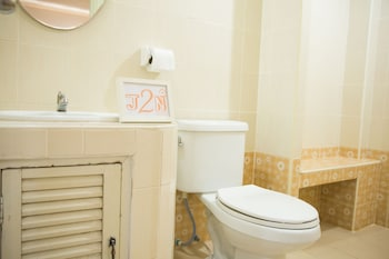 J2N Hostel - Bathroom  - #0