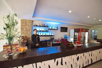 HOTEL TAVERN SURIGAO Bar