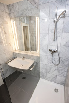 Executive Suites Margareten by welcome2vienna - Bathroom  - #0