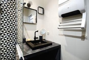 UniqueAppart T4 Vieux-Port - Bathroom Sink  - #0