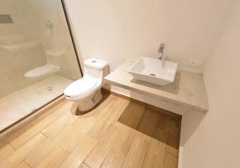 """Cielo Beach Hotel Puerto Morelos"""" - Bathroom  - #0"""