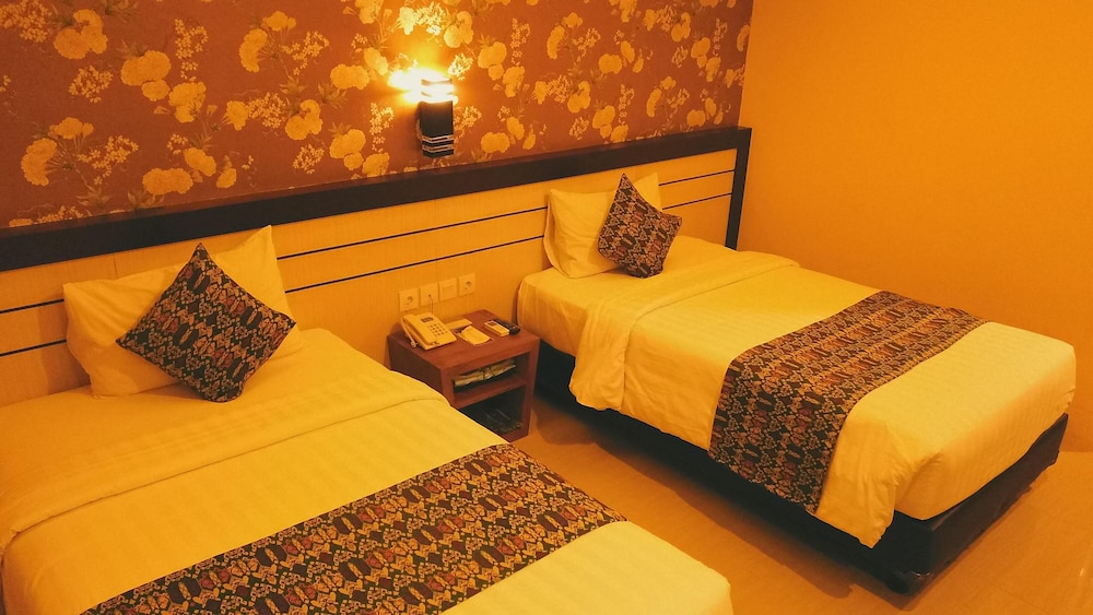 Grand Madani Hotel By Prasanthi Syari Ah Qantas Hotels