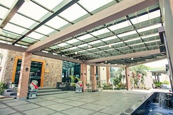 Laguna Hotel - Featured Image