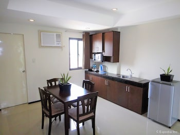 MALLBERRY SUITES BUSINESS HOTEL In-Room Dining