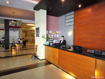 MALLBERRY SUITES BUSINESS HOTEL Reception