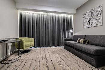Guestroom at Swiss-Belhotel Brisbane in South Brisbane