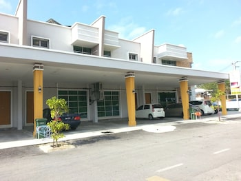 Golden Guest House Kuantan - Featured Image  - #0