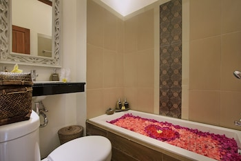Puri Hari Resort and Villas - Bathroom  - #0