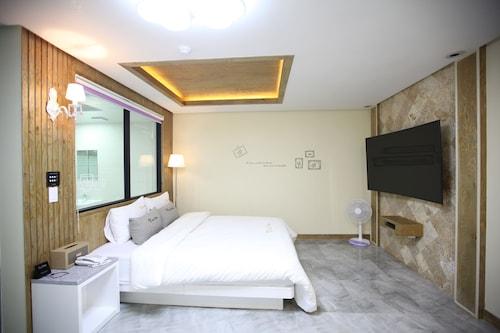 Time Hotel, Cheonan