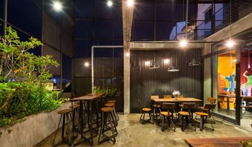 Yolo Hostel n Bar, Đà Lạt