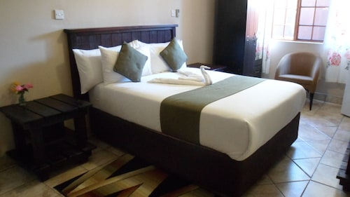 Kamore Guest Inn, Ngamiland West