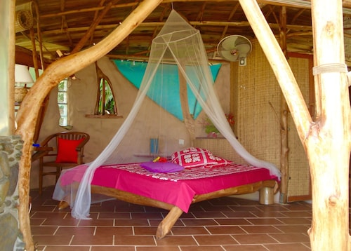 Vanira Lodge,