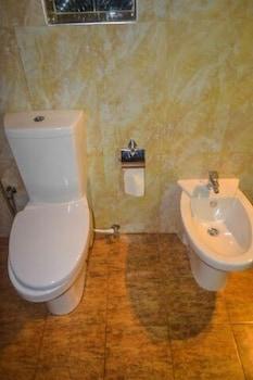 Cinnamon Lake Inn - Bathroom  - #0