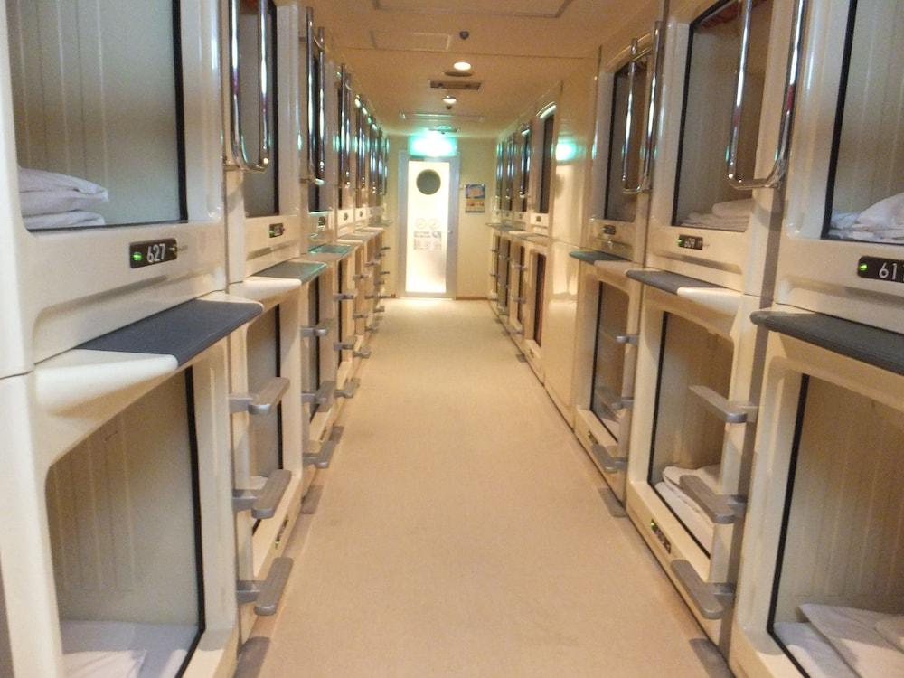 カプセル ホテル ウェルビー栄 - 男性専用