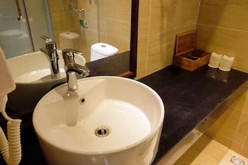 Kingtime Hotel - Bathroom  - #0