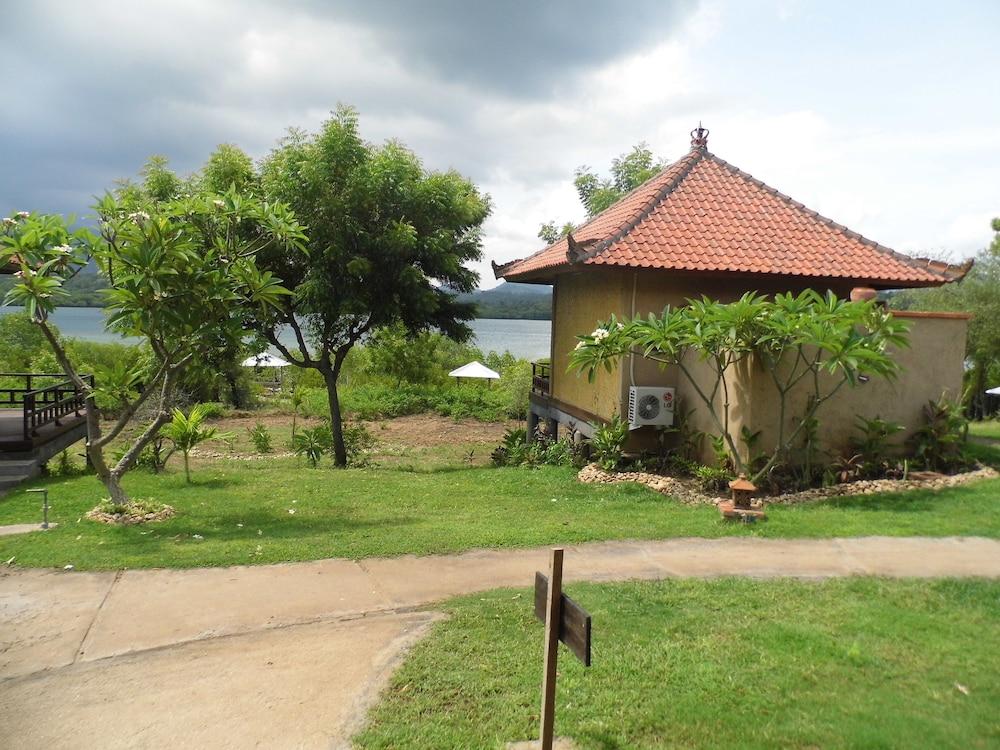 https://i.travelapi.com/hotels/17000000/16030000/16028900/16028878/18b90409_z.jpg