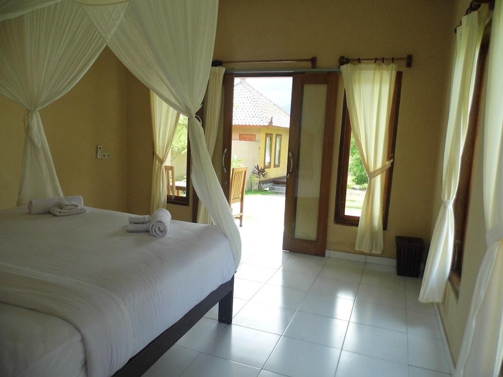 https://i.travelapi.com/hotels/17000000/16030000/16028900/16028878/56134473_z.jpg