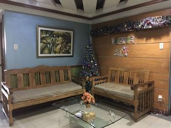 BUEN-BELLA PENSION HOUSE Lobby Sitting Area
