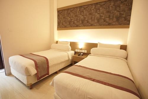 . Viva Hotel Kediri By Front One