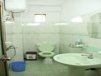 Tay Backpackers Hostel - Bathroom  - #0