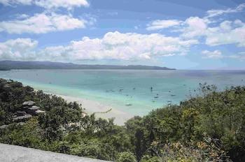 BORACAY AMOR APARTMENTS Beach