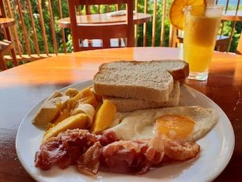 BORACAY AMOR APARTMENTS Breakfast Meal