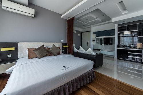 Naki Suites @ Silvertown, Phnom Penh