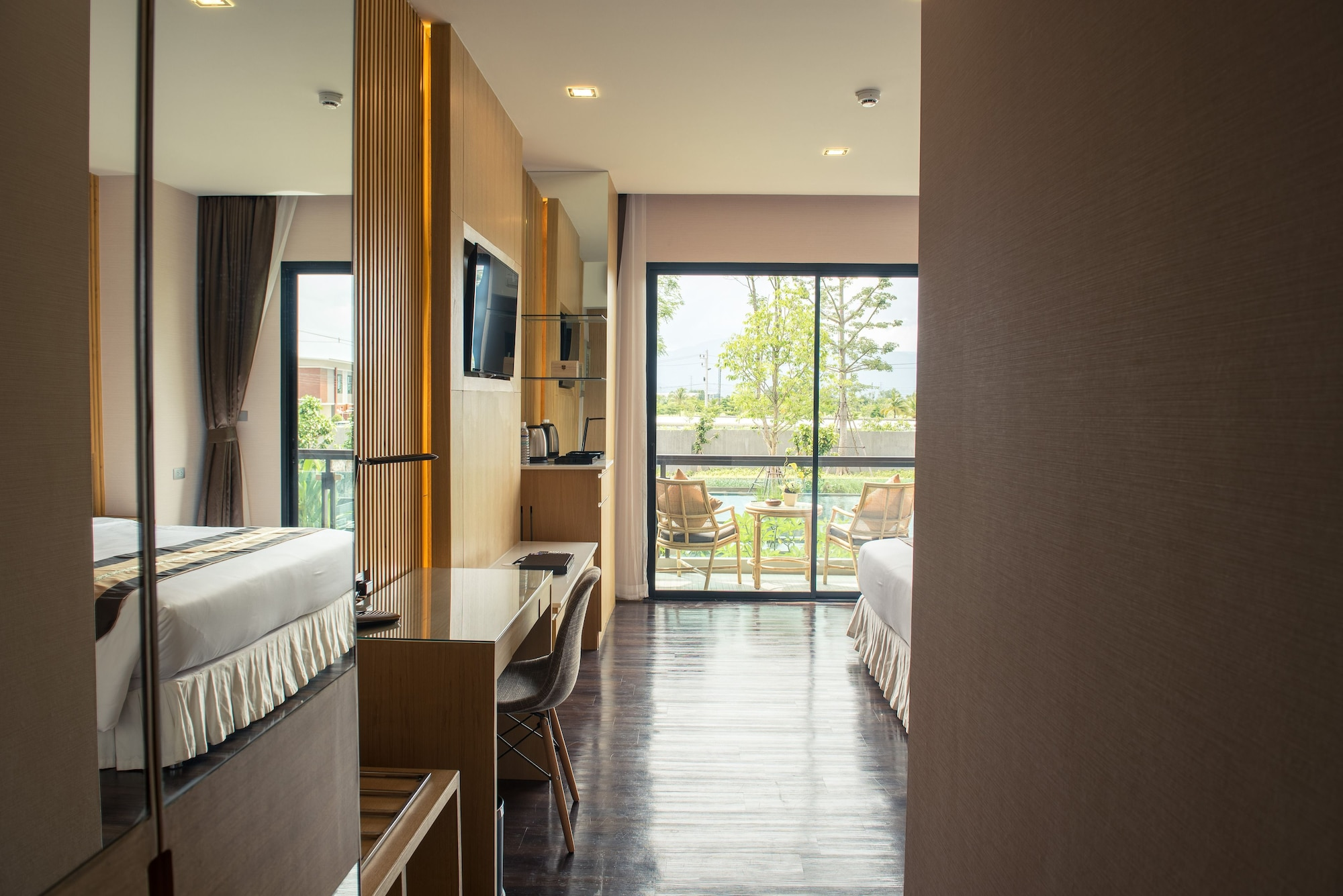 Deluxe Double Room, 1 King Bed, Balcony
