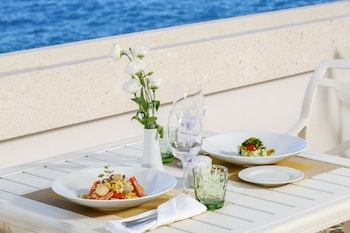 Royal Blue Hotel - Outdoor Dining  - #0