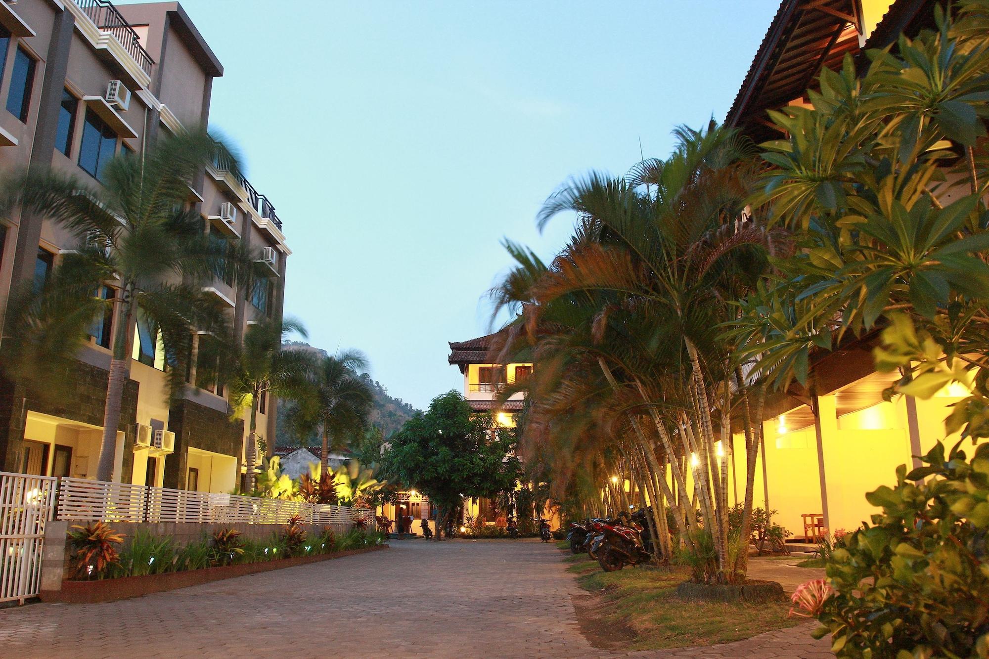 Puri Senggigi Hotel, Lombok Barat