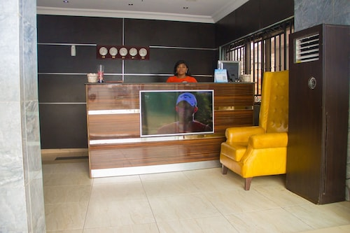 Paris Suites, Amuwo Odofin