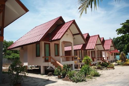 Phuphat Resort, Khanom