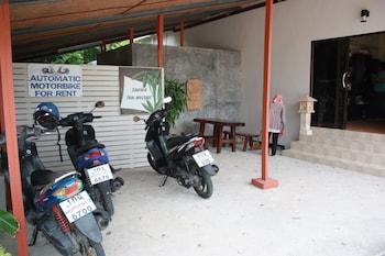 Bamboo Resort - Parking  - #0
