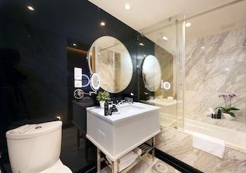 Kingwood Boutique Hotel Miri - Bathroom  - #0