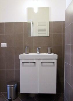 Roema Guest House - Bathroom Sink  - #0