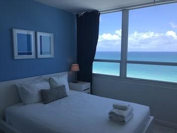 Castle Beach Club Condominiums